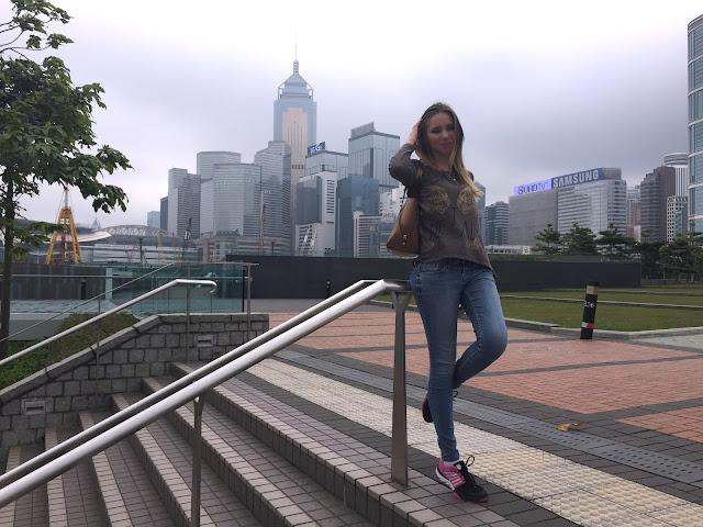 Hong Kong, Hong Kong Island, Cestování, Hong Kong na vlastní pěst, co dělat v hong kongu, what to do in hong kong, kristýna vacková, travel blog, travelling, asia, blog, travel blog, fashion house cz hong kong, hong kong, blog about hong kong, expat hong kong, hongkong, hongkong na vlastní pěst, hongkong bez cestovky, co dělat v hongkongu, Stanley market, Stanley, Trhy Stanley Hongkong, hong kong art, shopping hong kong, nákupy v hongkongu, central and western district promenade, shopping in hong kong, holiday in hong kong, dovolená hongkong, hongkong ostrov, hongkong hlavní ostrov, hong kong main island