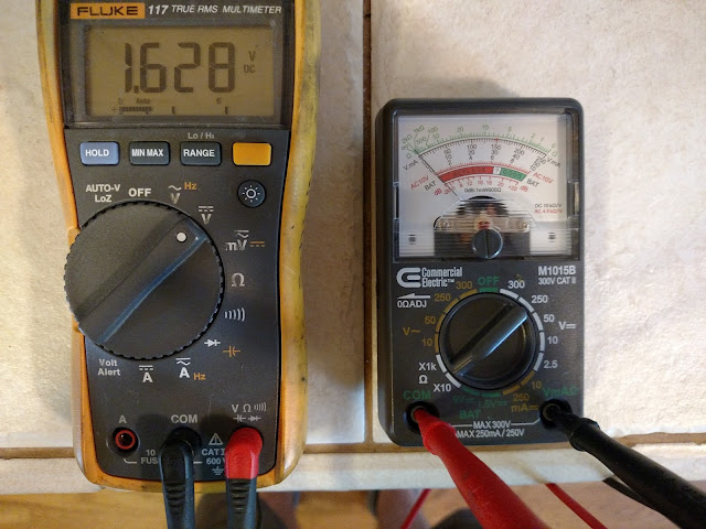 DC Voltage Output of Analog Ohmmeter