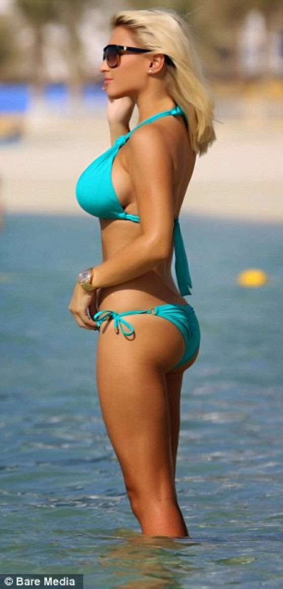 Billie Faiers in a Turquoise Bikini – Beach in Dubai