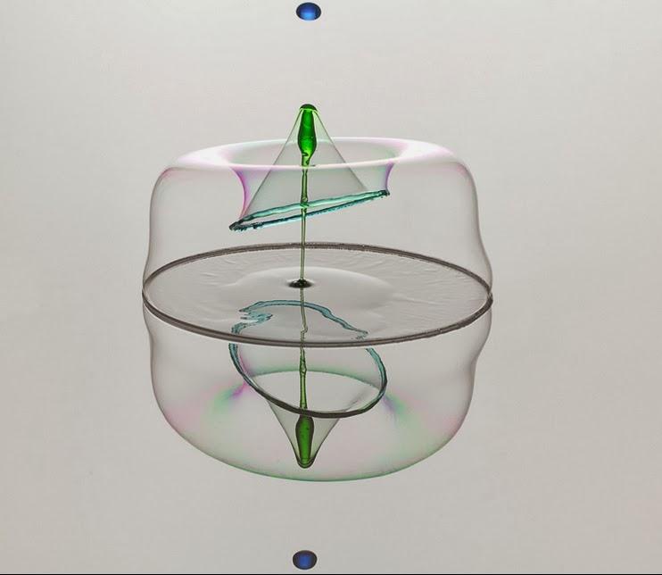 19-German-Photographer-Heinz-Maier-High-Speed-Water-Sculptures-www-designstack-co