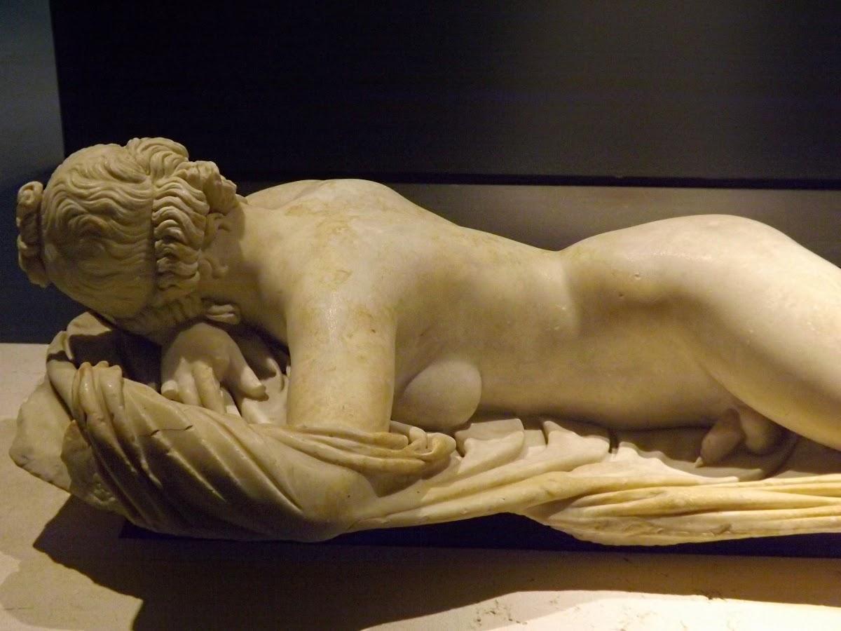 Сексуальная скульптура