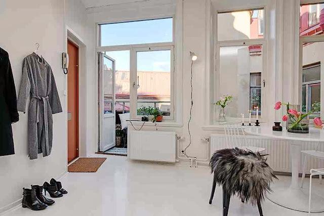 Wyraźna dominacja bieli w aranżacji mieszkania
