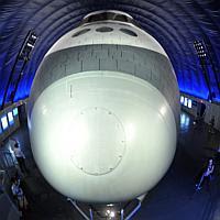 Foto: Pameran Pesawat Ulang-alik Di Museum New York [ www.Up2Det.com ]