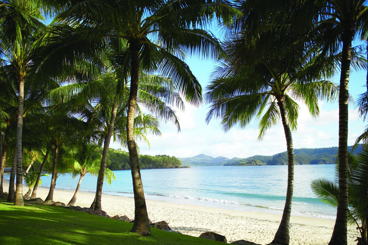 http://2.bp.blogspot.com/-qfuaQ4ZcsrY/Tpf4vI7YlBI/AAAAAAAAAC8/T145QbXVWpw/s1600/Catseye+Beach+-+Landscape.jpg