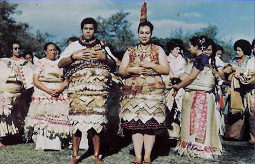 World's Most Favorite Wedding Style: Tongan, Hawaiian Traditional Wedding Dress