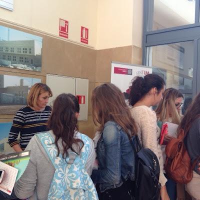 """La BUM en la """"Feria de Servicios"""" en el Centro Social Universitario."""