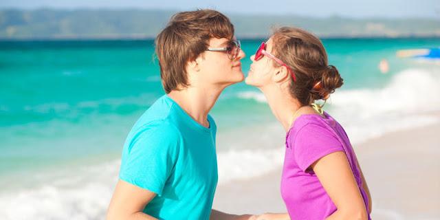 5 Alasan Bagus Untuk Berkencan Dengan Pria Yang Lebih Muda