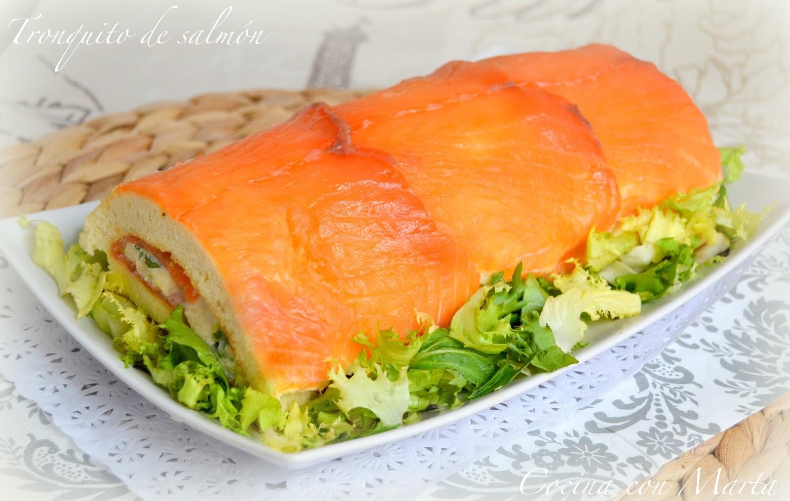 Tronquito salado de salmón. Bizcocho  casero con y sin Thermomix. Ocasiones especiales