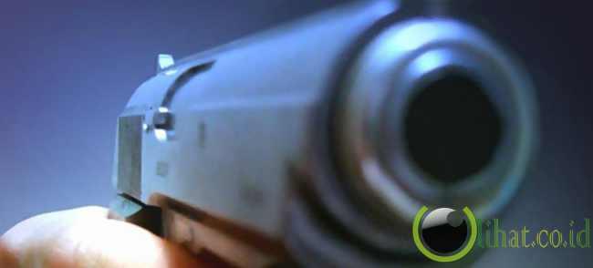 ABG nyaris buta kena peluru nyasar