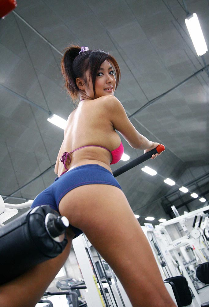 kana tsugihara sexy gym workout 03