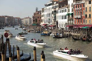 Venecia, vista desde el puente Rialto