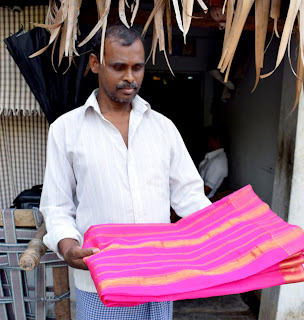 Mangalagiri Handloom weaver