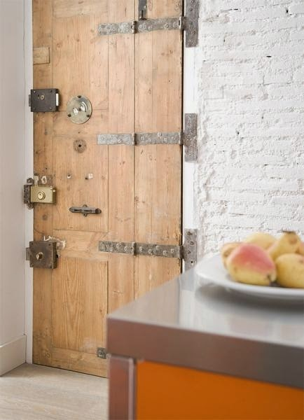Viviendas sexys monapart barcelona drimvic for Decoracion con puertas antiguas