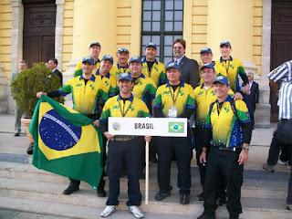 Equipe brasileira que participou do I Mundial IPSC de Shotgun na Hungria