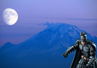 Batman Free Wallpapers Dark Knight in Classic Ascent Moon background