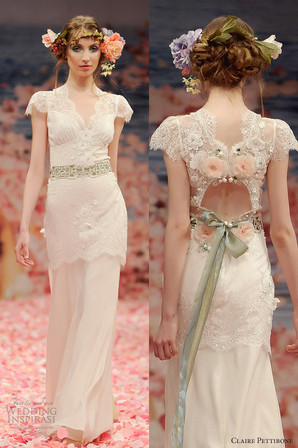 Love the design on the back of wedding dresses for Wedding dress with back detail
