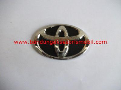 Emblem Exclusive Logo Mobil Toyota