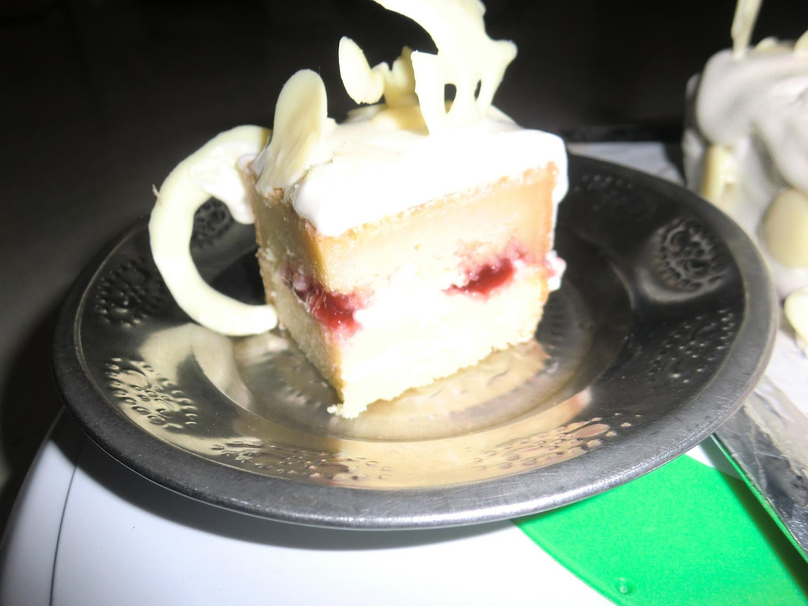 Eggless Cake In Microwave With Milkmaid