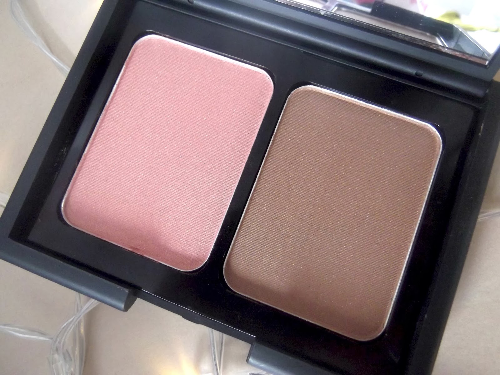 An Image Of E.L.F Contouring Blush & Bronzing Powder in St Lucia