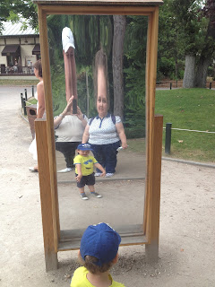 The House of Mirrors at the Jardin d'Acclimatation