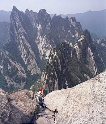 Monte Huashan - A trilha mais perigosa do mundo
