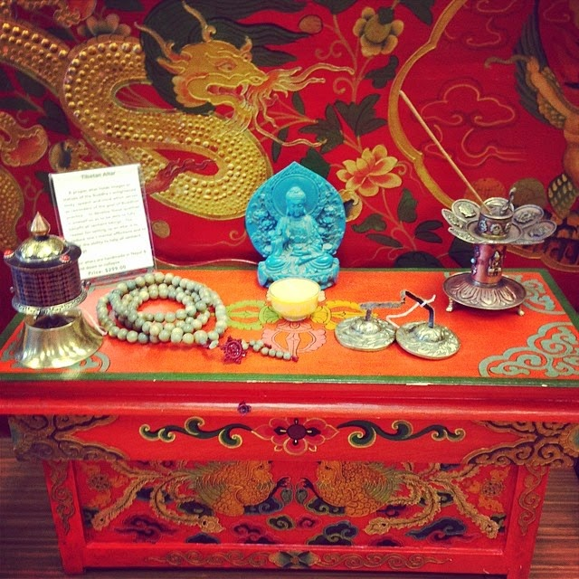 Charming Buddhist Meditation Altar Table