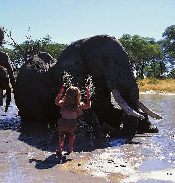 Girl+Growing+Up+Alongside+Wild+Animals+In+Africa_13