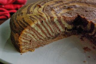 http://www.sohome-made.blogspot.fr/2013/11/zebra-cake.html