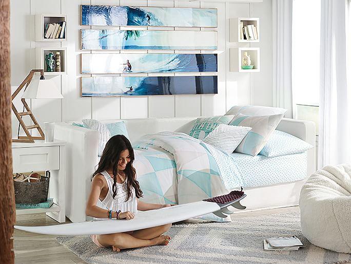 35 surfer teen girl bedroom