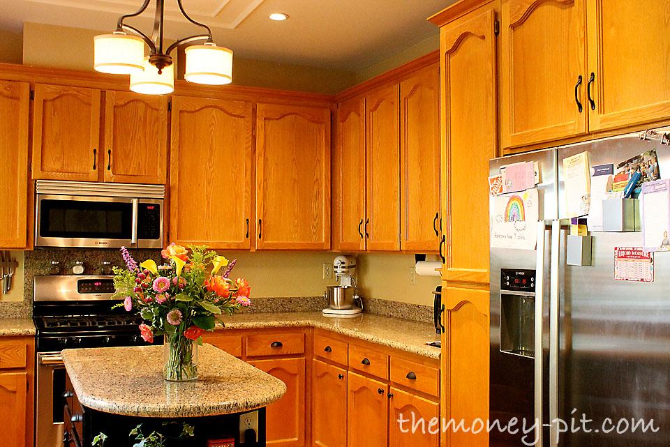 Honey Oak Cabinets. Kitchen Colors Oak Cabinets Amusing ...