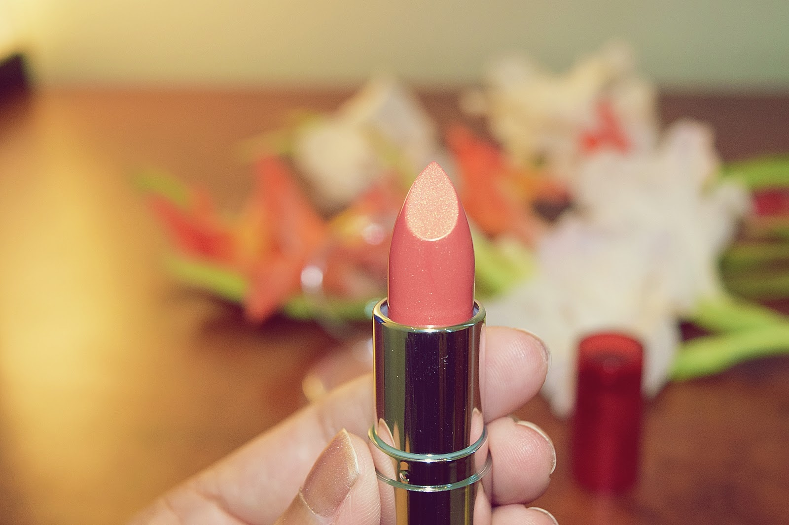 The Body Shop Color Crush Lipstick 140 Make My Heart Gleam