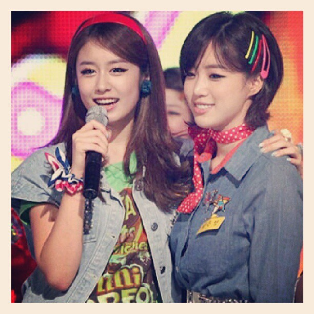 JIYEON-EUNJUNG T-ARA PHOTO COUPLE