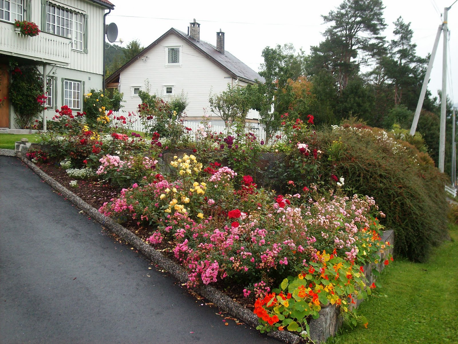 Apple Blossom Dreams: My Norway - Day 12 - Hager (Gardens)