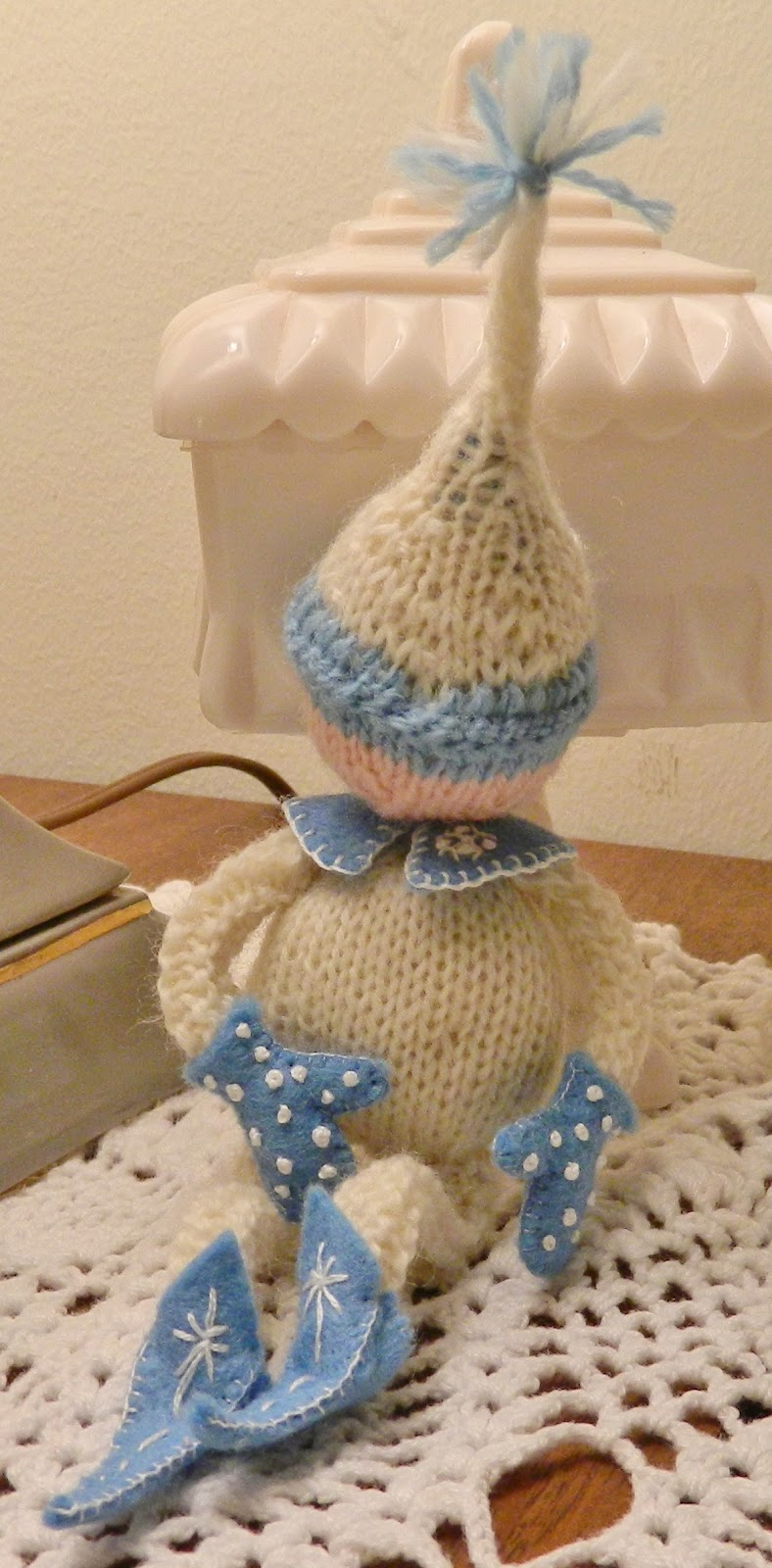 The Handmade Homemaker: Christmas Fairy Knitting Pattern