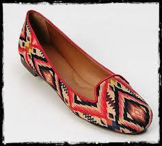 Slippers são as novas sapatilhas que voltaram pra ficar