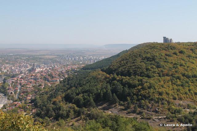 orasul Shumen si Monumentul Intemeietorilor Bulgariei