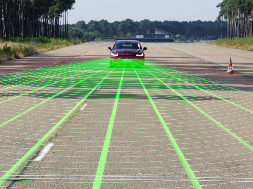 New Ford Safety Technology with Pedestrian Detection Prevents Accidents