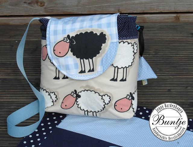 Kuscheldecke Baby Name Krabbeldecke Decke Baumwolle Fleece individuell Geschenk Geburt Taufe blau Junge Schafe handmade nähen Buntje Wickeltasche Schnullertäschchen Set