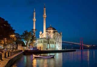الأماكن السياحية اسطنبول الصور ortakoy.jpg