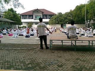 Senam Haji Sehat bersama Susu Haji Sehat kpd Calon Jama'ah Haji Kbih Al Barkah, Bekasi Jawa Barat