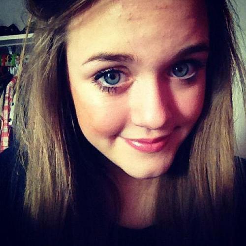 Lottie Tomlinson Make-up