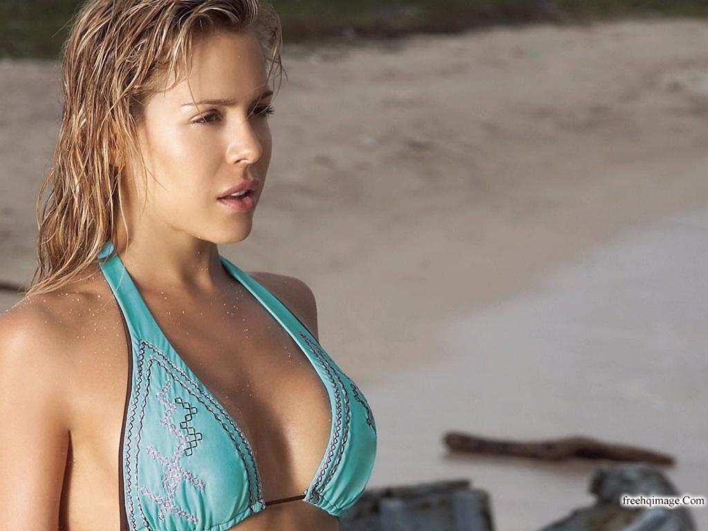 Celebrity Natalia Paris nude (48 pics), Twitter