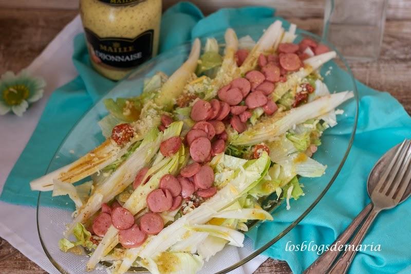 Salchichas en ensalada a la vinagreta de mostaza de vino