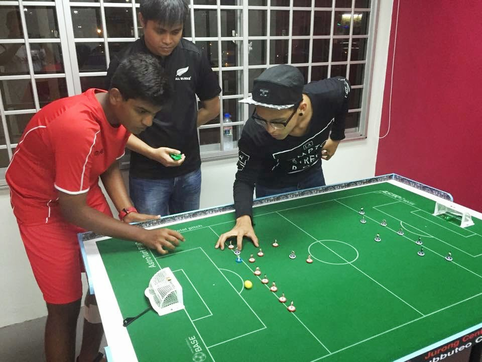 world amateur subbuteo players association jurong central welcomes belgian guest in singapore. Black Bedroom Furniture Sets. Home Design Ideas