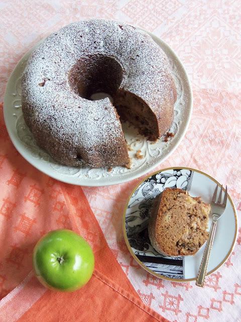 Giada Apple Bundt Cake