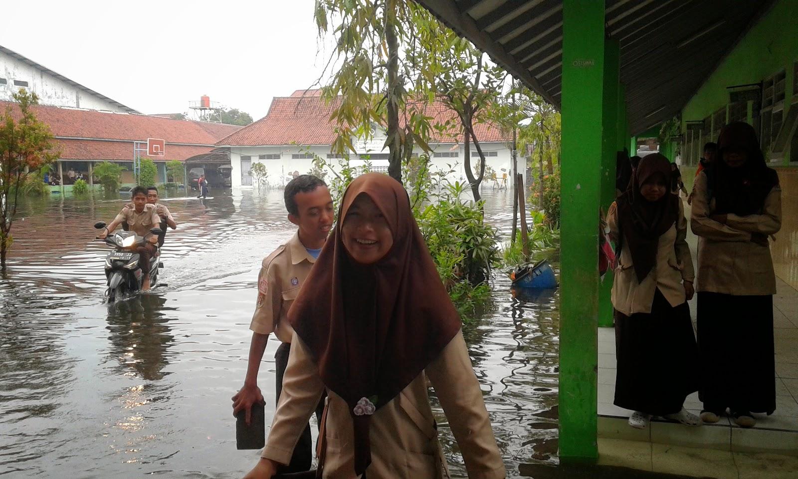 MAN 1 Semarang Terkena Banjir
