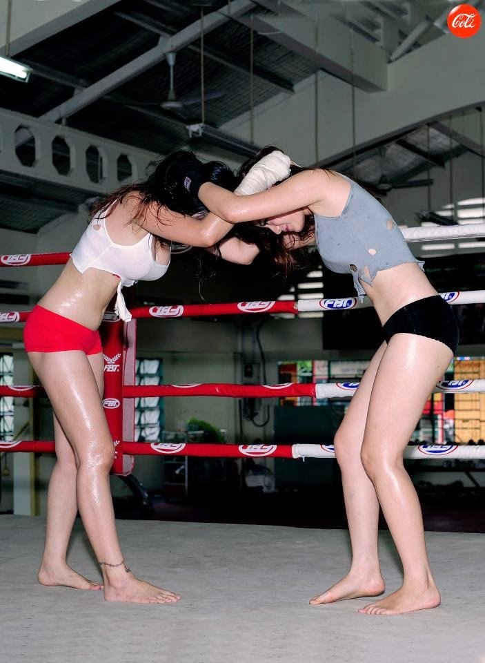 Khi phái đẹp đấu boxing 16