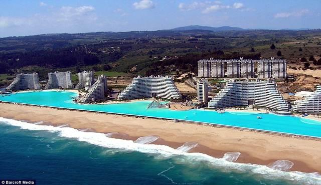 kolam-renang-terbesar-di-dunia
