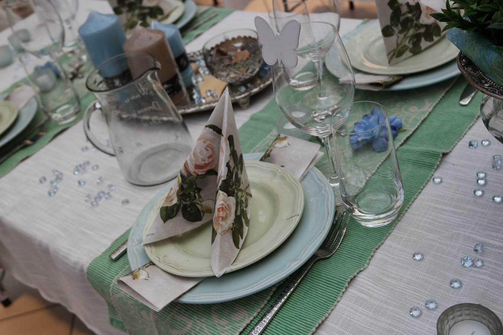 Karilotte: Borddekking i blått og grønt