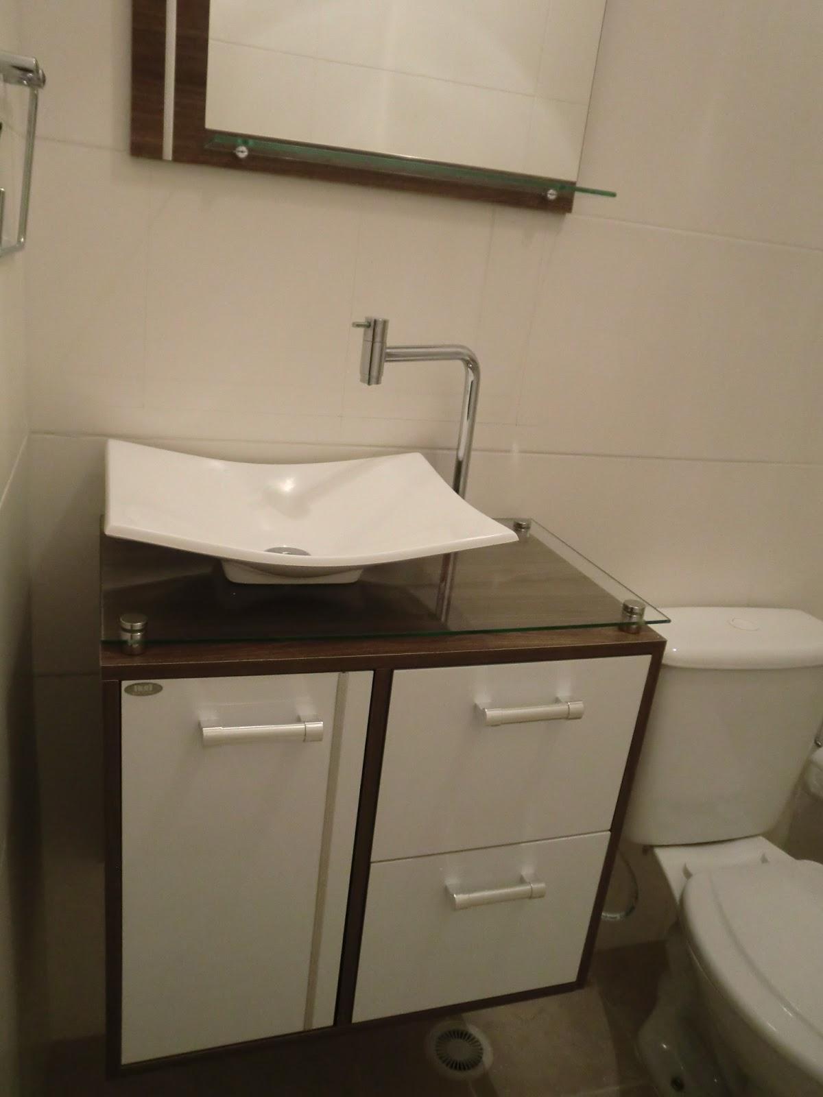 decora o de banheiro de apartamento pequeno dicas e fotos #30271A 1200x1600 Banheiro Com Pastilhas Apartamento